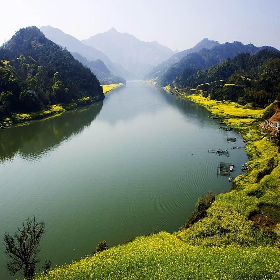 【清明】十门观瀑、山水画廊、徽派古村、油菜花间——漫游新安江与石潭的山水间